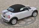 Фото авто Mini Roadster 1 поколение, ракурс: 225 цвет: серебряный