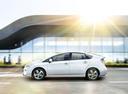 Фото авто Toyota Prius 3 поколение [рестайлинг], ракурс: 90 цвет: белый