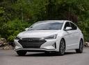 Фото авто Hyundai Elantra AD [рестайлинг], ракурс: 45 цвет: белый