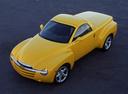 Фото авто Chevrolet SSR 1 поколение, ракурс: 45 цвет: желтый