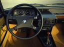 Фото авто BMW 5 серия E12 [рестайлинг], ракурс: торпедо