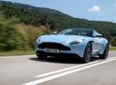 Фото авто Aston Martin DB11 1 поколение, ракурс: 45 цвет: голубой
