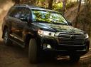 Фото авто Toyota Land Cruiser J200 [2-й рестайлинг], ракурс: 315 цвет: черный