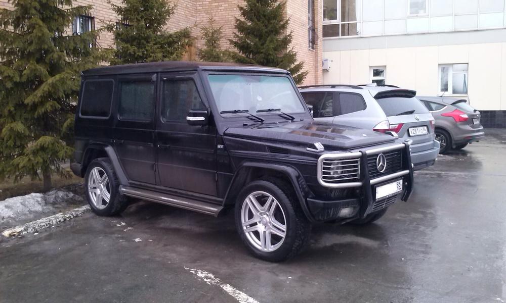 Подержанный Mercedes-Benz G-Класс, хорошее состояние, черный , 1999 года выпуска, цена 950 000 руб. в ао. Ханты-Мансийском Автономном округе - Югре