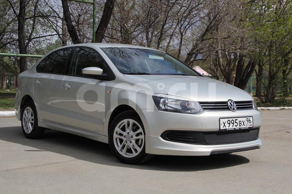 Подержанный Volkswagen Polo, отличное состояние, золотой металлик, 2013 года выпуска, цена 490 000 руб. в Екатеринбурге