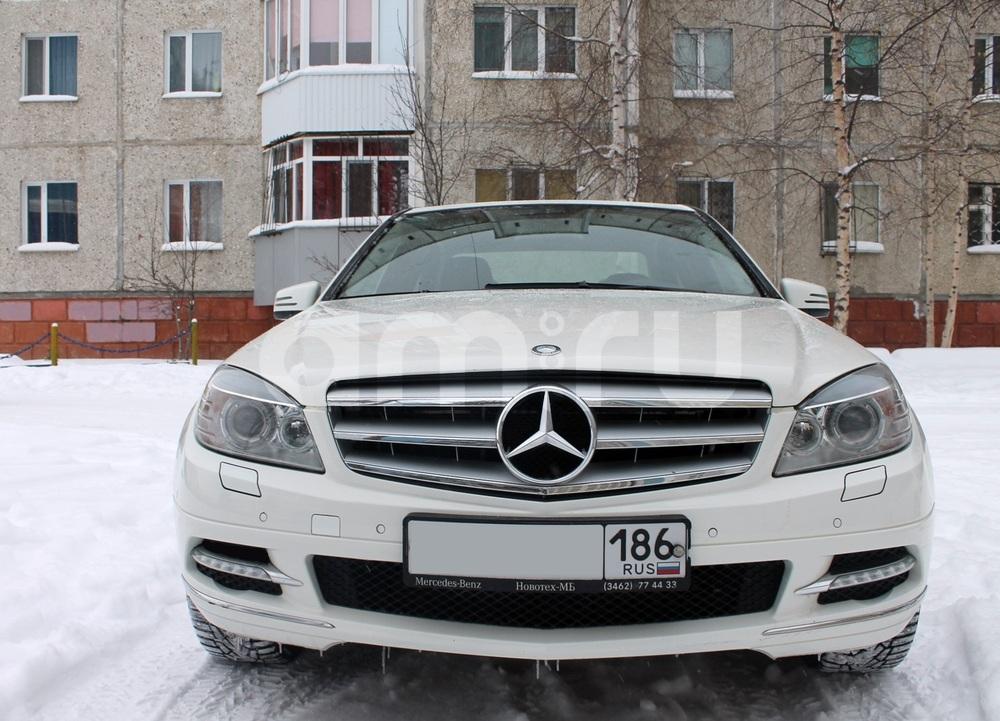 Подержанный Mercedes-Benz C-Класс, хорошее состояние, белый , 2010 года выпуска, цена 820 000 руб. в ао. Ханты-Мансийском Автономном округе - Югре
