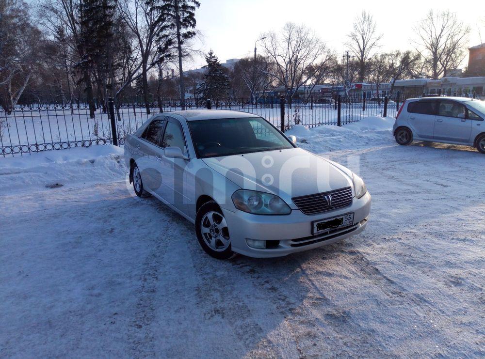 Подержанный Toyota Mark II, отличное состояние, серебряный , 2002 года выпуска, цена 350 000 руб. в Омске