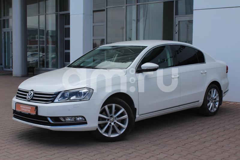 Volkswagen Passat с пробегом, белый , отличное состояние, 2014 года выпуска, цена 1 210 000 руб. в автосалоне Автобан-Запад (Екатеринбург, ул. Металлургов, д. 67)
