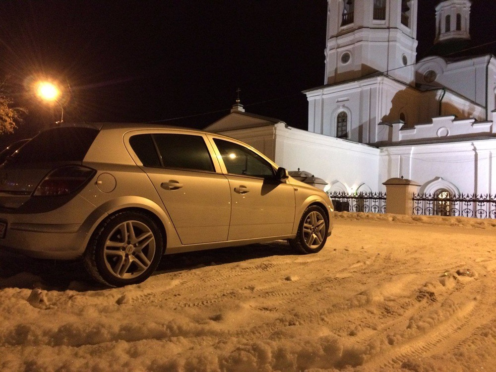 Подержанный Opel Astra, отличное состояние, серебряный , 2009 года выпуска, цена 320 000 руб. в Тюмени