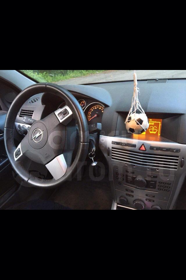 Подержанный Opel Astra, отличное состояние, черный , 2010 года выпуска, цена 495 000 руб. в Кемеровской области