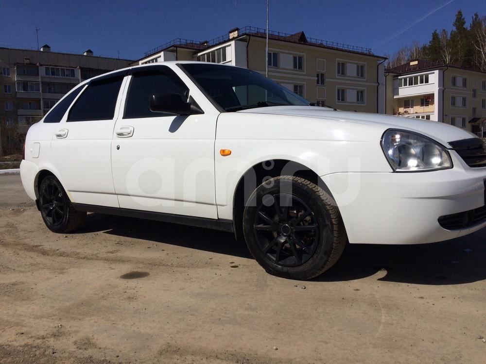 Подержанный ВАЗ (Lada) Priora, хорошее состояние, белый , 2011 года выпуска, цена 233 000 руб. в Екатеринбурге
