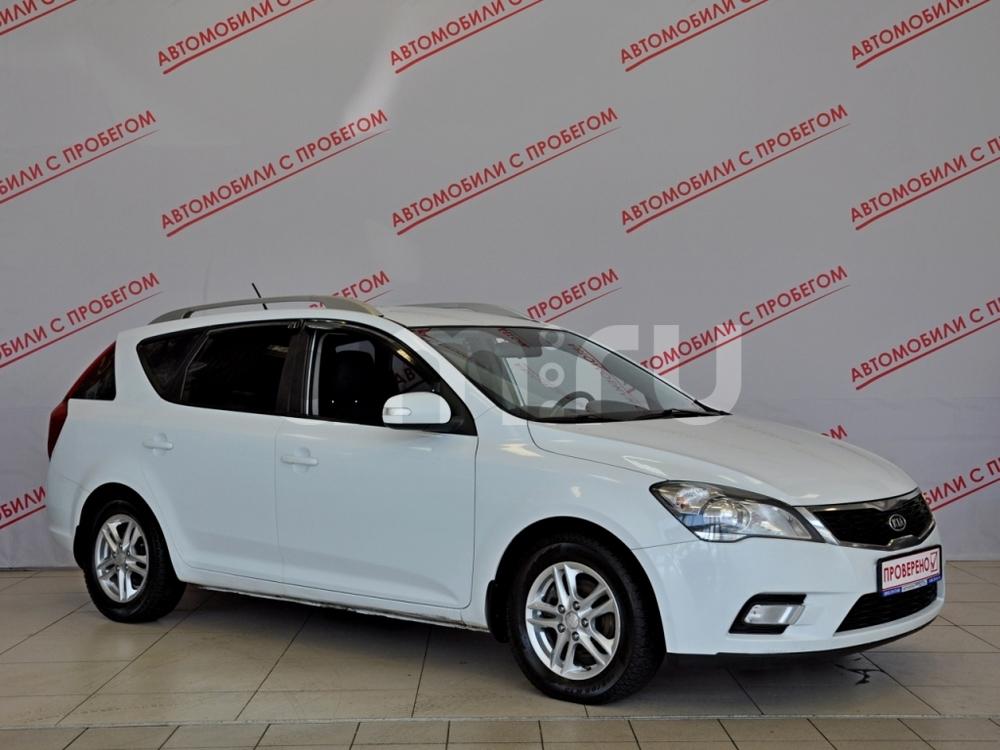 Kia Cee'd с пробегом, белый , отличное состояние, 2010 года выпуска, цена 469 000 руб. в автосалоне NORTH-AUTO (Санкт-Петербург, пр-кт Маршала Блюхера, д. 54, корп. 1)