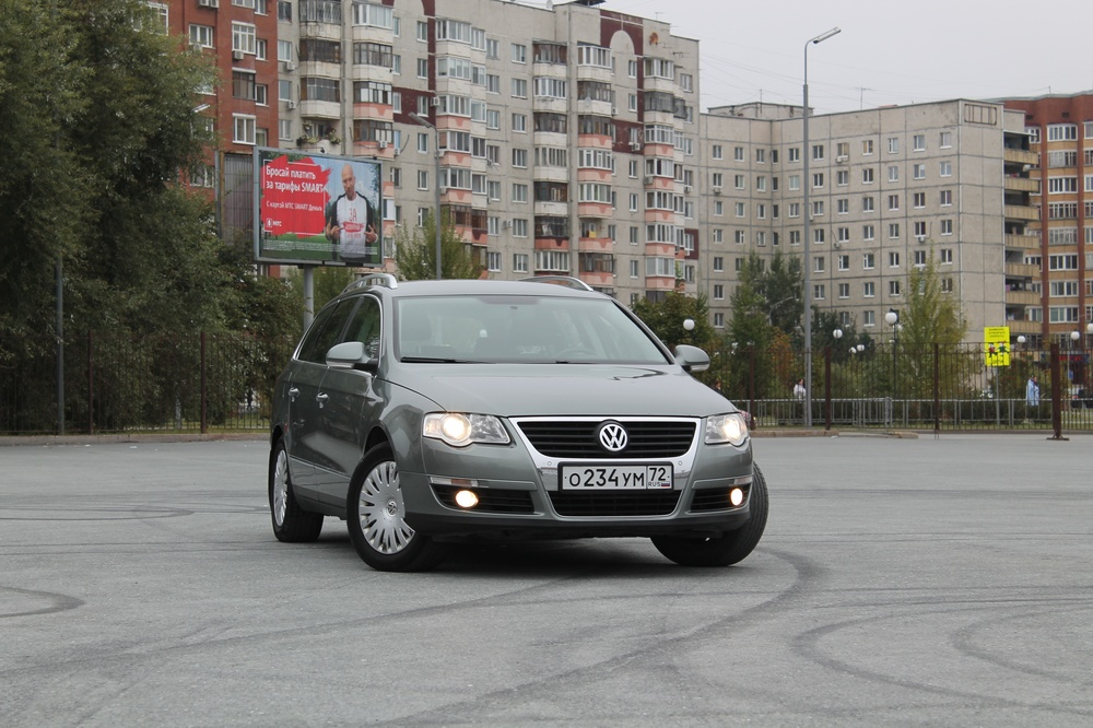 Подержанный Volkswagen Passat, хорошее состояние, зеленый , 2009 года выпуска, цена 550 000 руб. в Тюмени