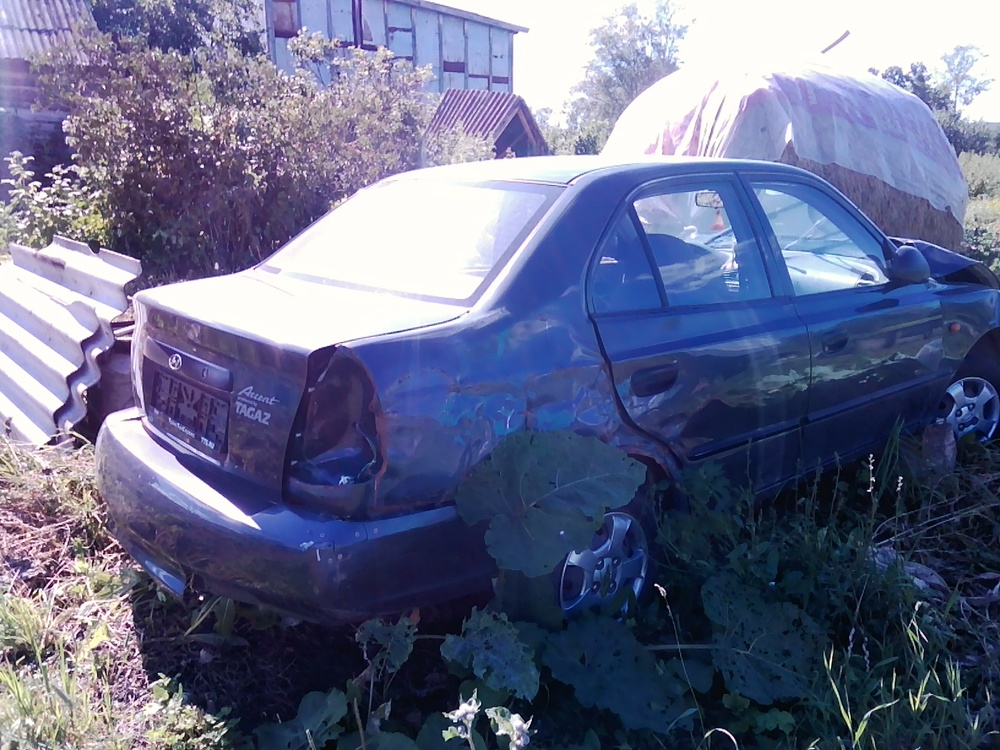 Подержанный Hyundai Accent, битый состояние, серый , 2008 года выпуска, цена 60 000 руб. в республике Татарстане