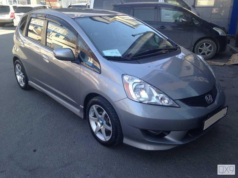 Подержанный Honda Fit, отличное состояние, серый , 2010 года выпуска, цена 435 000 руб. в Владивостоке
