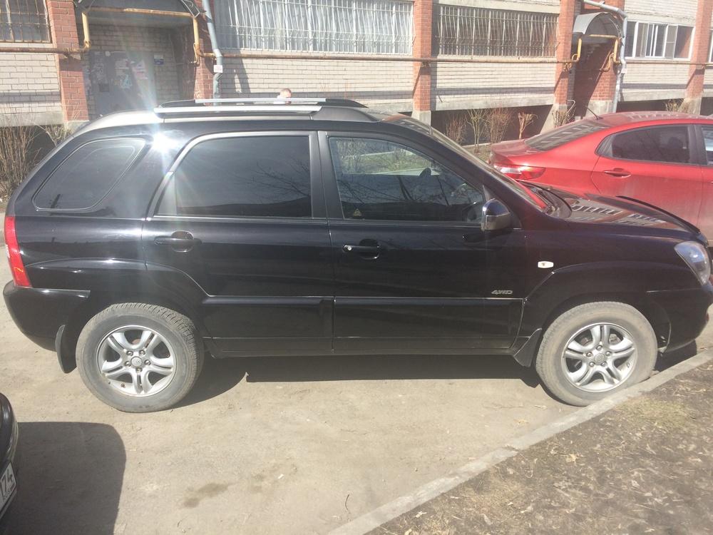 Подержанный Kia Sportage, хорошее состояние, черный , 2006 года выпуска, цена 490 000 руб. в Челябинской области