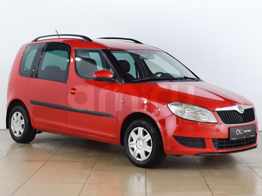 Skoda Roomster с пробегом, красный , отличное состояние, 2011 года выпуска, цена 359 000 руб. в автосалоне  ()