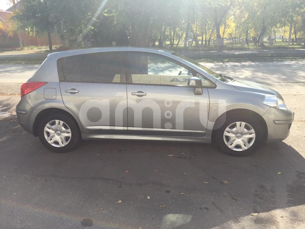 Подержанный Nissan Tiida, отличное состояние, серый , 2011 года выпуска, цена 530 000 руб. в Челябинской области