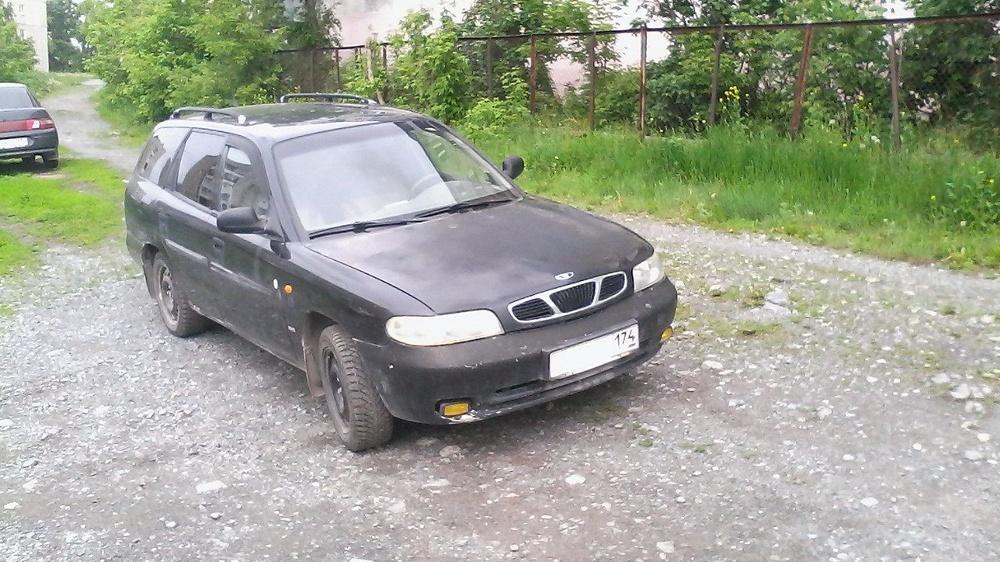 Подержанный Daewoo Nubira, среднее состояние, черный , 1997 года выпуска, цена 63 000 руб. в Челябинской области