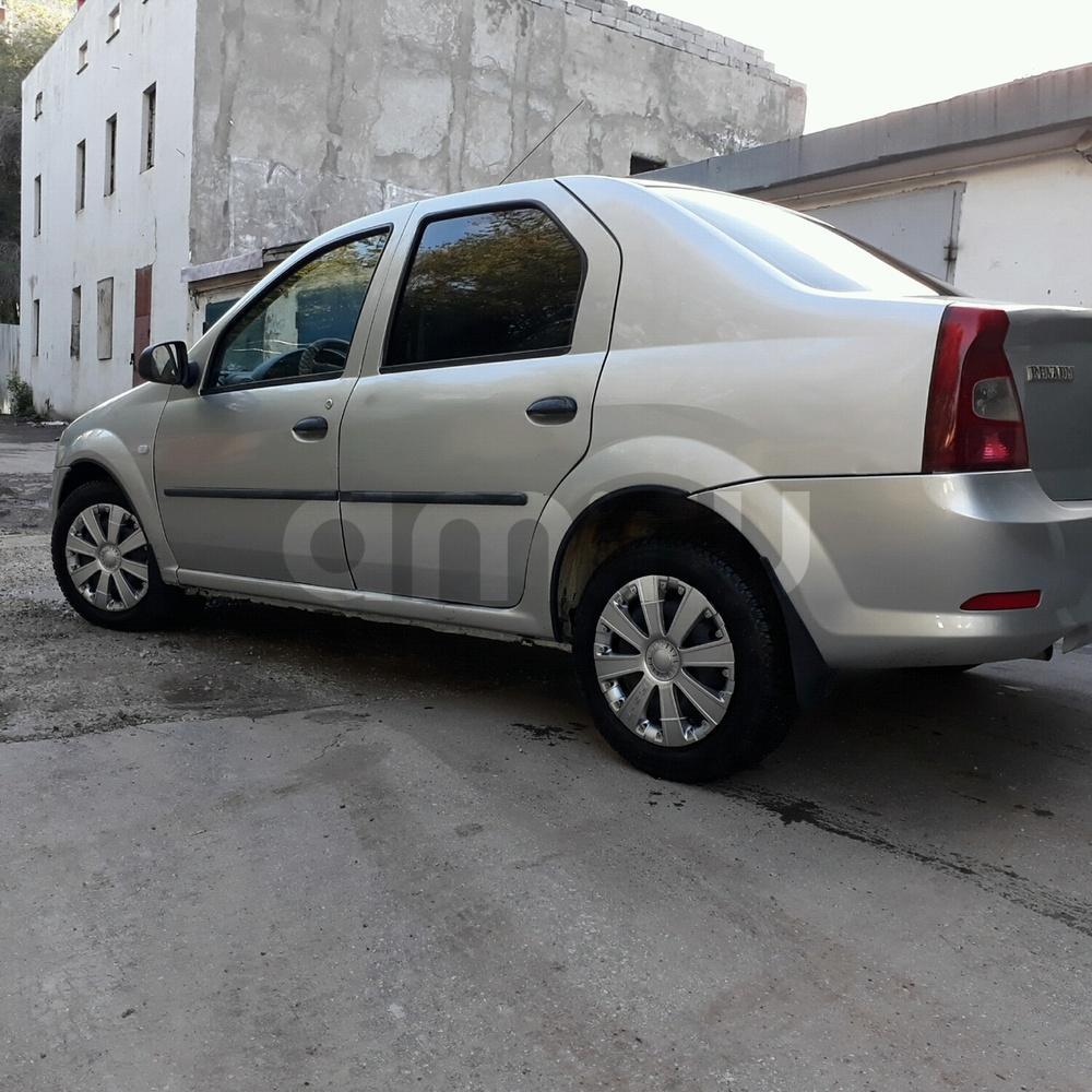 Подержанный Renault Logan, отличное состояние, серебряный , 2013 года выпуска, цена 250 000 руб. в Самаре