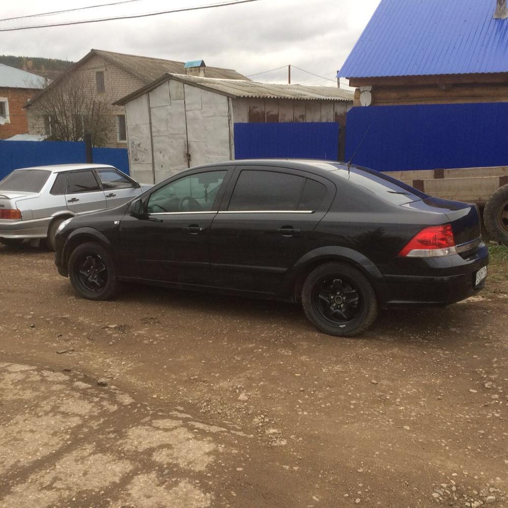 Подержанный Opel Astra, хорошее состояние, черный , 2014 года выпуска, цена 590 000 руб. в республике Татарстане