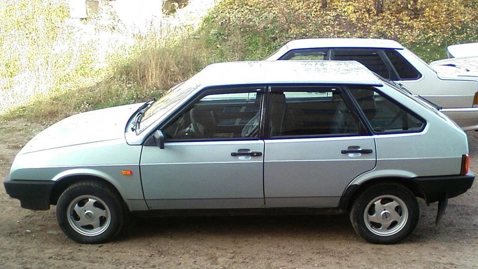 Подержанный ВАЗ (Lada) 2109, хорошее состояние, бежевый металлик, 2002 года выпуска, цена 100 000 руб. в республике Татарстане