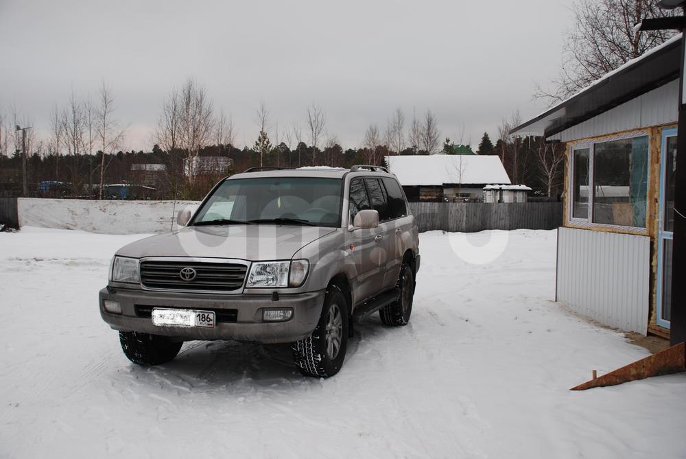 Подержанный Toyota Land Cruiser, хорошее состояние, серебряный , 2004 года выпуска, цена 999 999 руб. в ао. Ханты-Мансийском Автономном округе - Югре