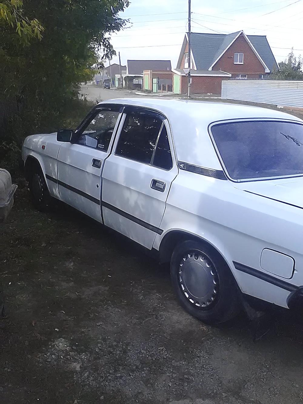 Подержанный ГАЗ 3110 Волга, хорошее состояние, белый , 1999 года выпуска, цена 50 000 руб. в Челябинской области