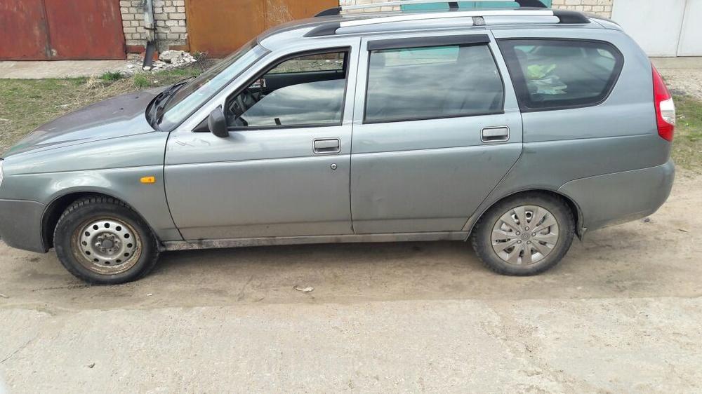 Подержанный ВАЗ (Lada) Priora, среднее состояние, серый металлик, 2010 года выпуска, цена 170 000 руб. в Тверской области