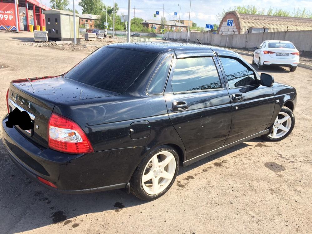 Подержанный ВАЗ (Lada) Priora, отличное состояние, черный , 2012 года выпуска, цена 260 000 руб. в Кемеровской области