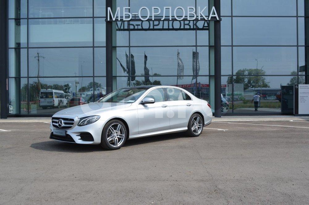 Новый авто Mercedes-Benz E-Класс, серебряный металлик, 2016 года выпуска, цена 2 990 000 руб. в автосалоне  ()
