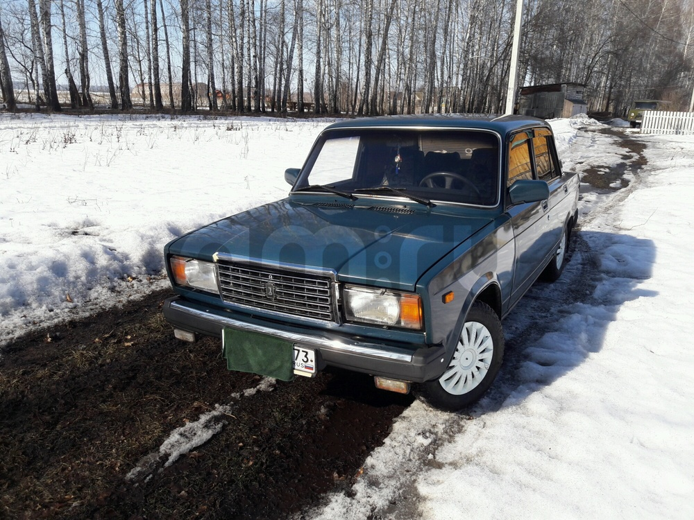 Подержанный ВАЗ (Lada) 2107, отличное состояние, зеленый , 2004 года выпуска, цена 70 000 руб. в Ульяновской области