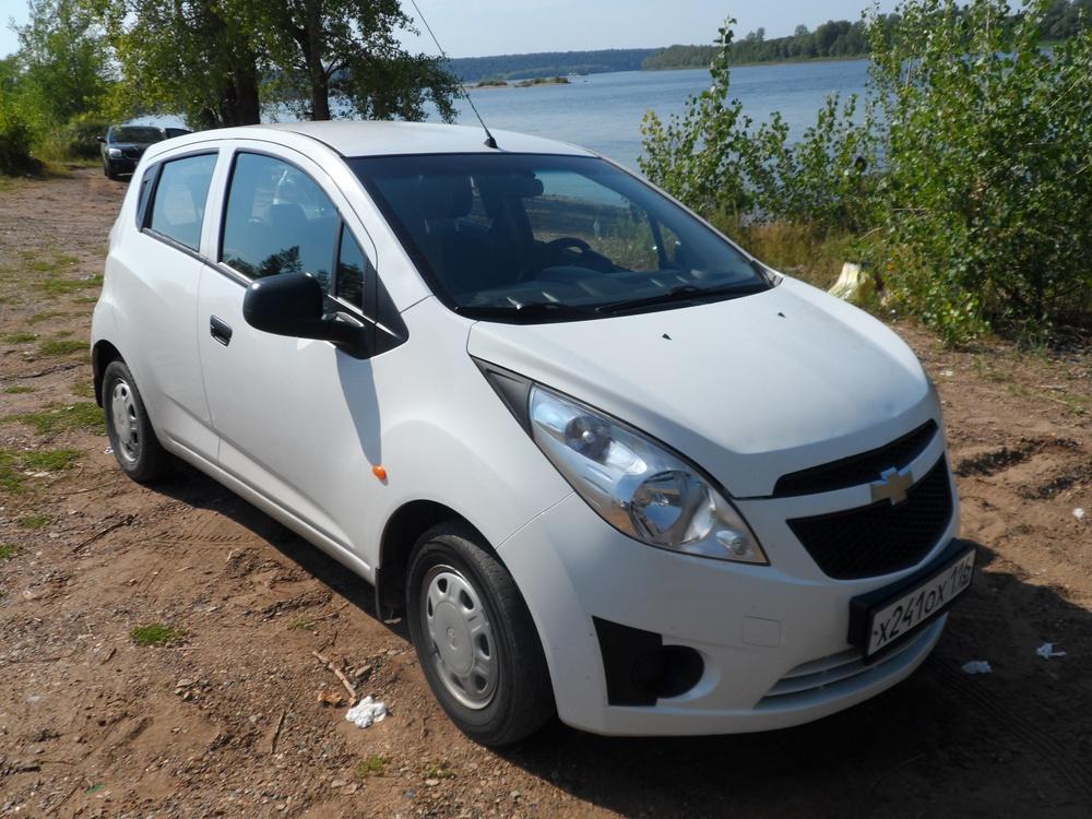 Подержанный Chevrolet Spark, отличное состояние, белый , 2012 года выпуска, цена 279 000 руб. в республике Татарстане