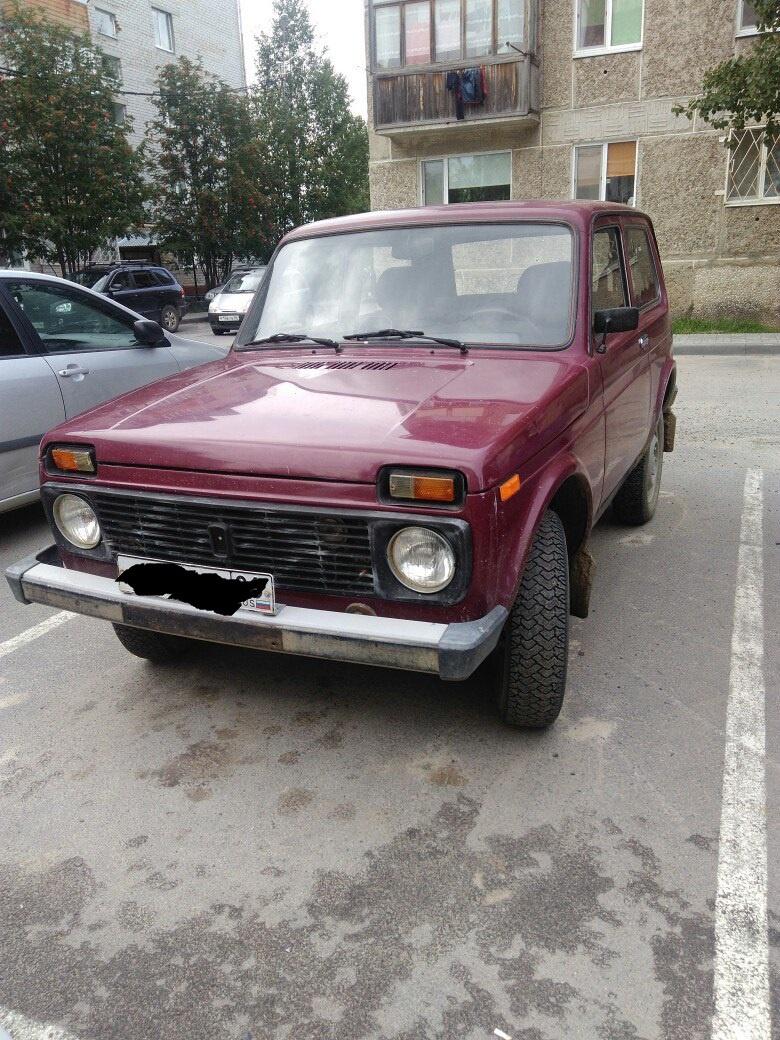 Подержанный ВАЗ (Lada) 4x4, хорошее состояние, бордовый , 2001 года выпуска, цена 150 000 руб. в ао. Ханты-Мансийском Автономном округе - Югре