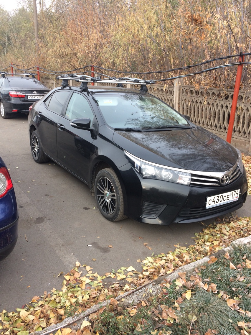 Подержанный Toyota Corolla, отличное состояние, черный , 2013 года выпуска, цена 710 000 руб. в Челябинской области