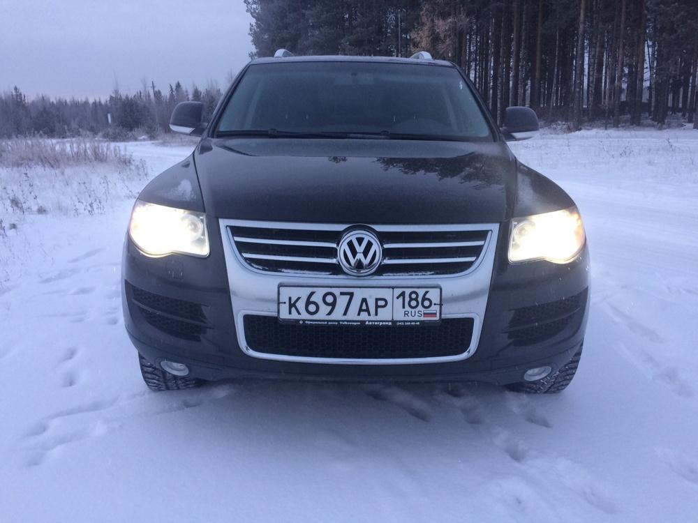 Подержанный Volkswagen Touareg, отличное состояние, черный металлик, 2007 года выпуска, цена 930 000 руб. в ао. Ханты-Мансийском Автономном округе - Югре