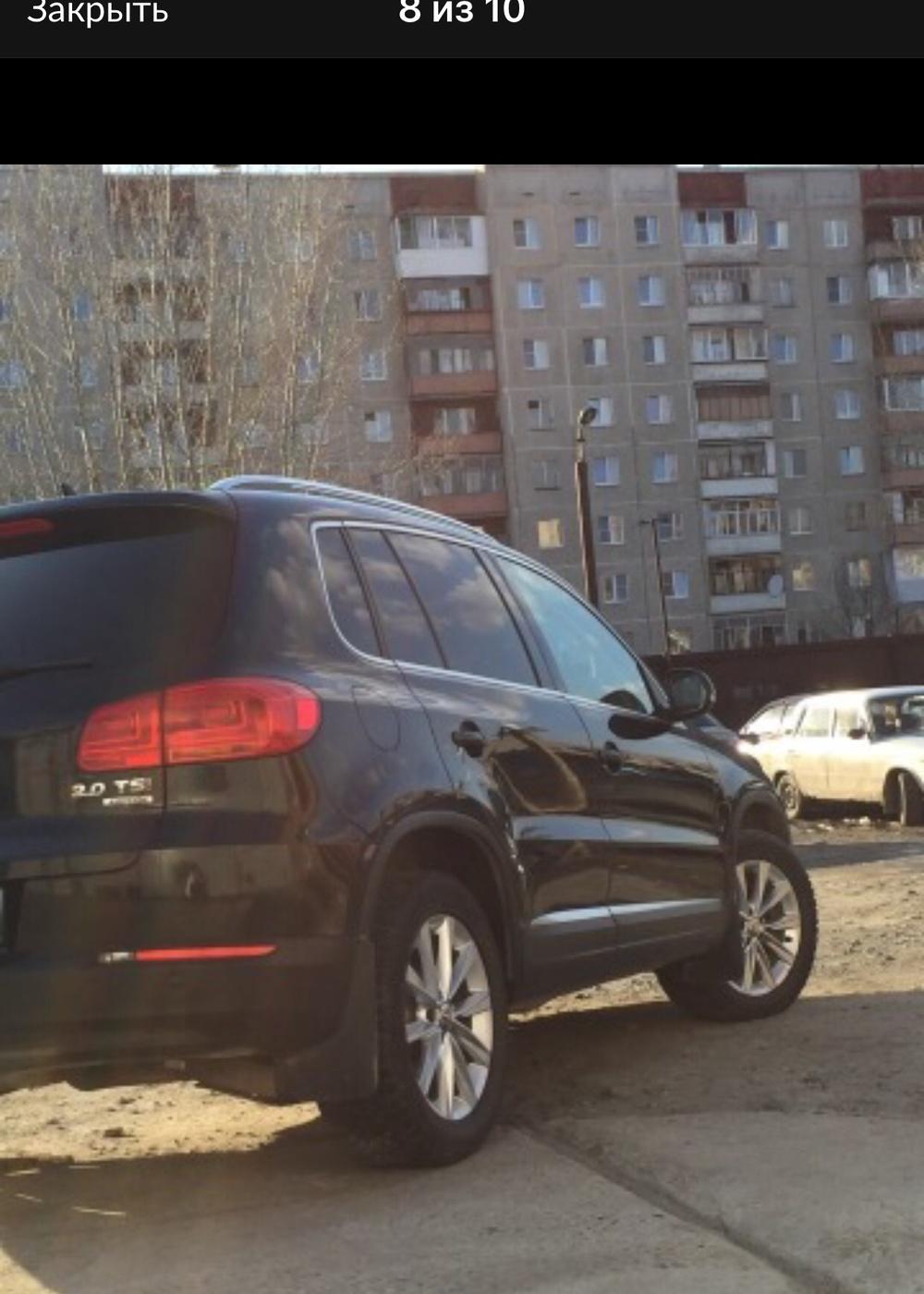Подержанный Volkswagen Tiguan, отличное состояние, черный металлик, 2011 года выпуска, цена 950 000 руб. в Челябинской области