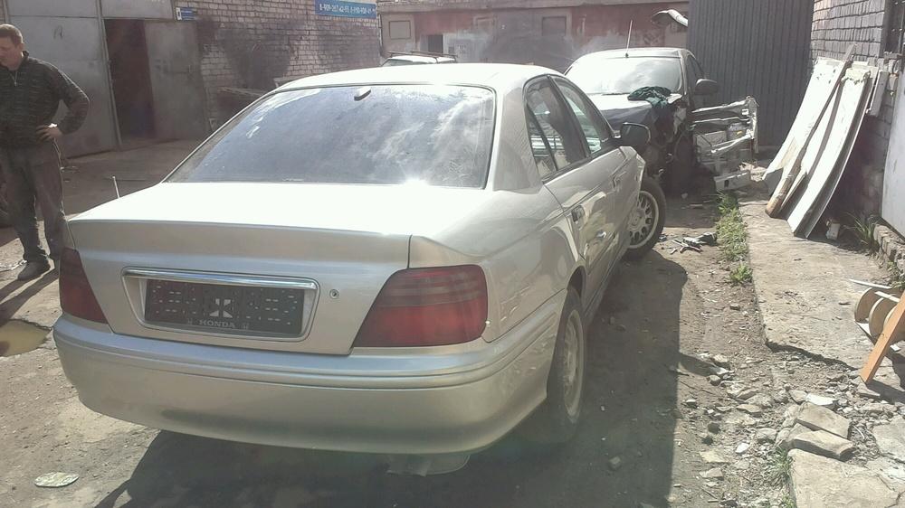 Подержанный Honda Accord, хорошее состояние, серебряный металлик, 1998 года выпуска, цена 230 000 руб. в Твери