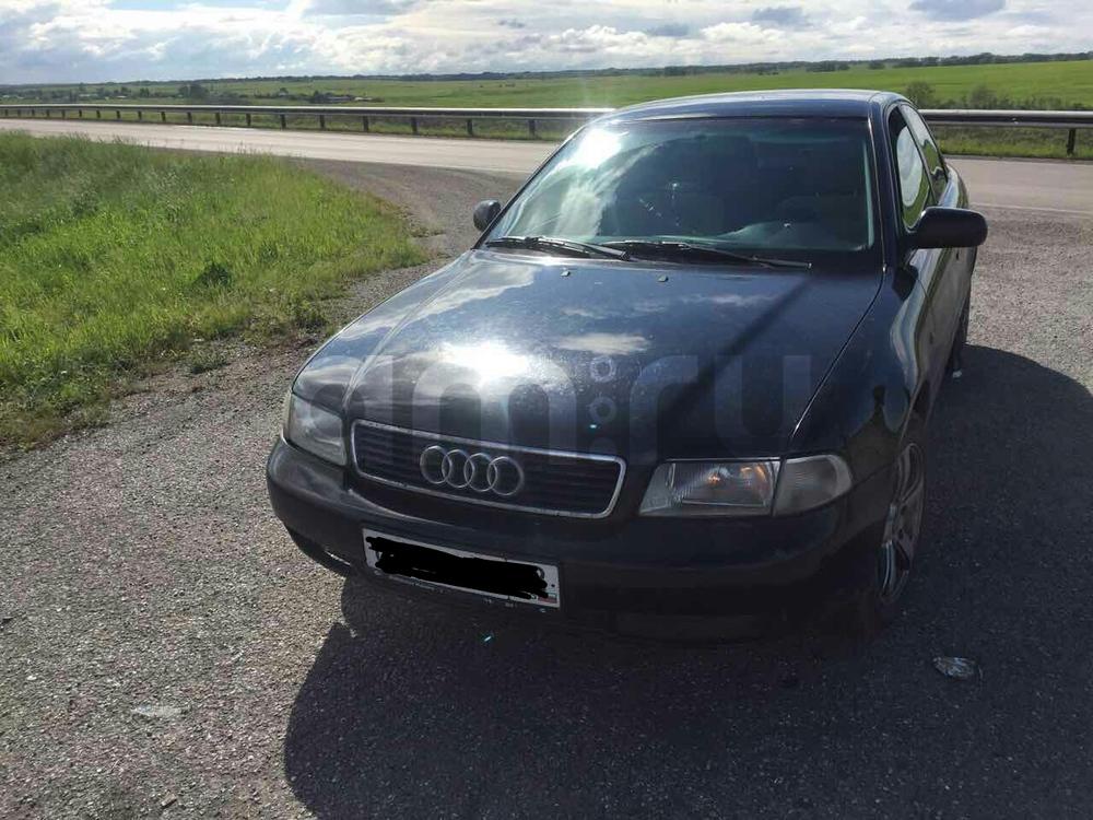 Подержанный Audi A4, хорошее состояние, черный , 1996 года выпуска, цена 195 000 руб. в Кемеровской области