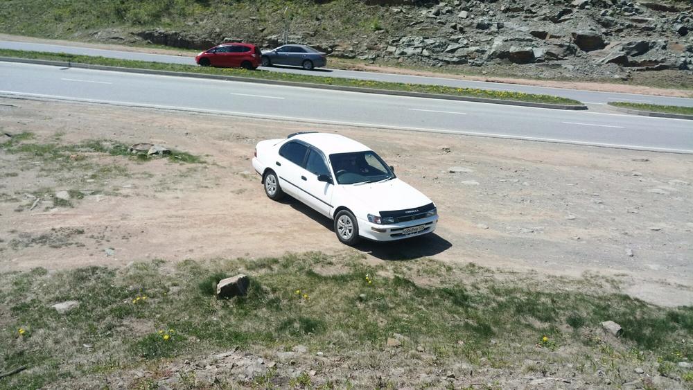 Подержанный Toyota Corolla, среднее состояние, белый , 1991 года выпуска, цена 100 000 руб. в Владивостоке