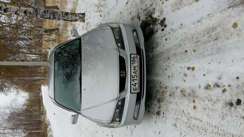 Подержанный Honda Accord, хорошее состояние, серебряный , 2002 года выпуска, цена 310 000 руб. в ао. Ханты-Мансийском Автономном округе - Югре