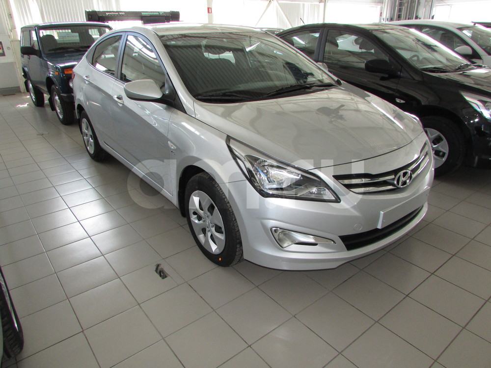 Hyundai Solaris с пробегом, серебряный , отличное состояние, 2016 года выпуска, цена 678 000 руб. в автосалоне  ()