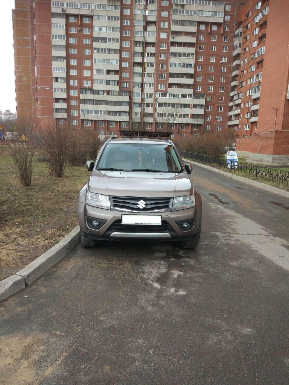 Подержанный Suzuki Grand Vitara, хорошее состояние, бронзовый металлик, 2013 года выпуска, цена 1 010 000 руб. в Санкт-Петербурге