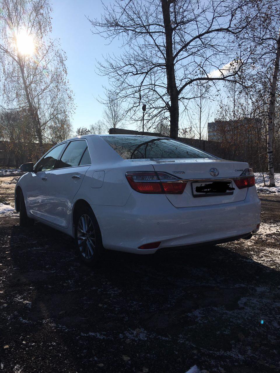 Подержанный Toyota Camry, отличное состояние, белый перламутр, 2016 года выпуска, цена 1 450 000 руб. в Смоленской области