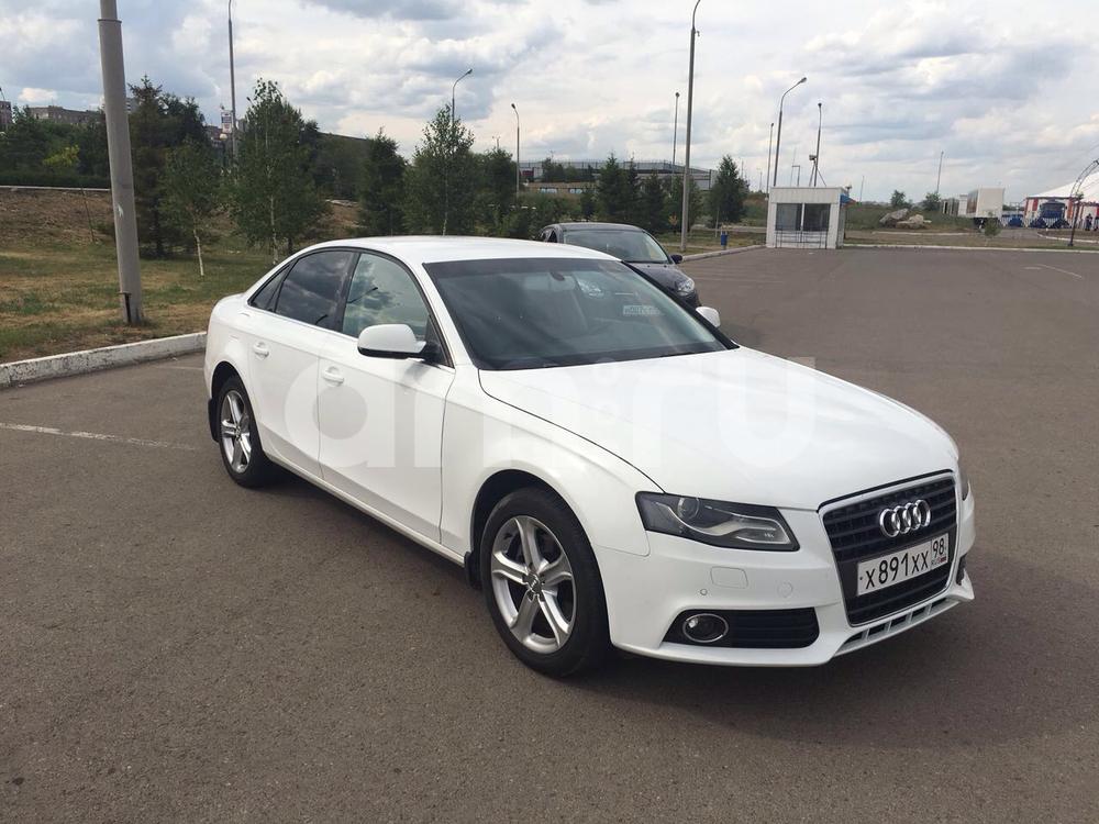 Подержанный Audi A4, хорошее состояние, белый , 2011 года выпуска, цена 800 000 руб. в Челябинской области