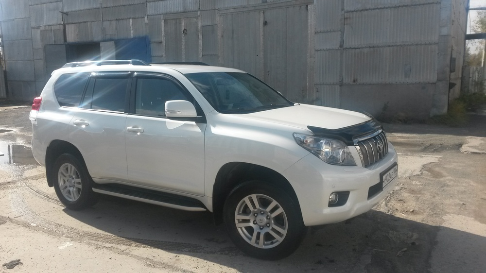 Подержанный Toyota Land Cruiser Prado, отличное состояние, белый перламутр, 2013 года выпуска, цена 2 170 000 руб. в ао. Ханты-Мансийском Автономном округе - Югре