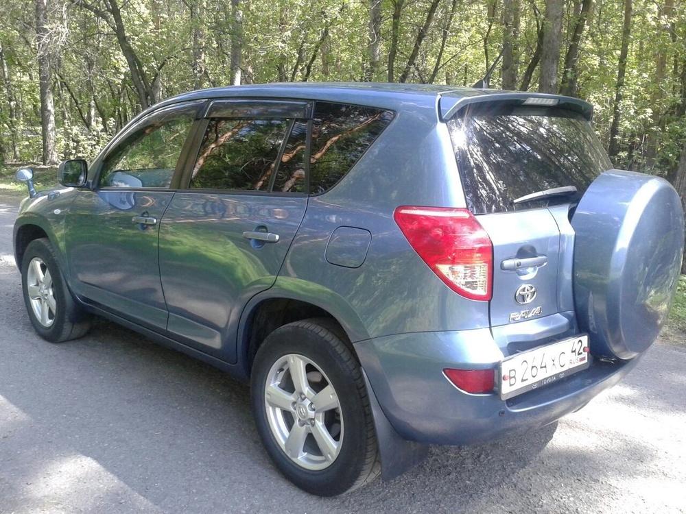 Подержанный Toyota RAV4, отличное состояние, синий , 2006 года выпуска, цена 690 000 руб. в Кемеровской области