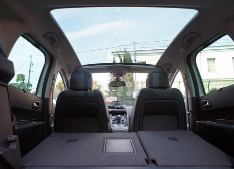 Подержанный Peugeot 3008, отличное состояние, белый , 2011 года выпуска, цена 750 000 руб. в ао. Ханты-Мансийском Автономном округе - Югре