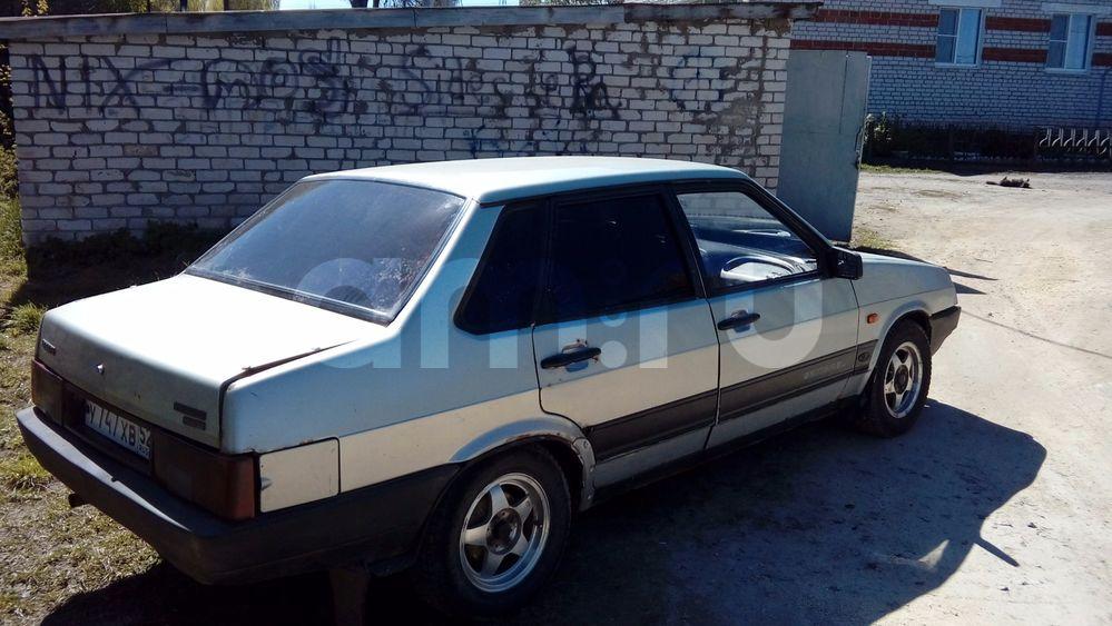 Подержанный ВАЗ (Lada) 2109, хорошее состояние, серебряный , 2001 года выпуска, цена 50 000 руб. в Нижнем Новгороде