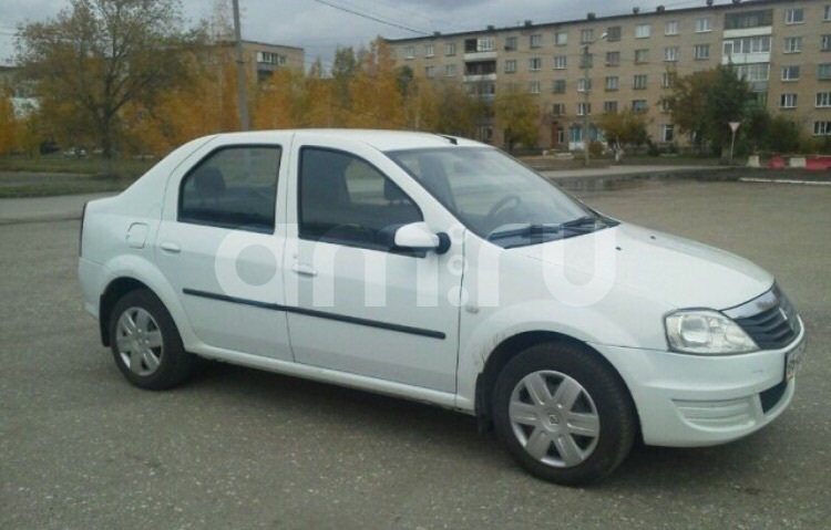 Подержанный Renault Logan, отличное состояние, белый , 2014 года выпуска, цена 390 000 руб. в Челябинской области